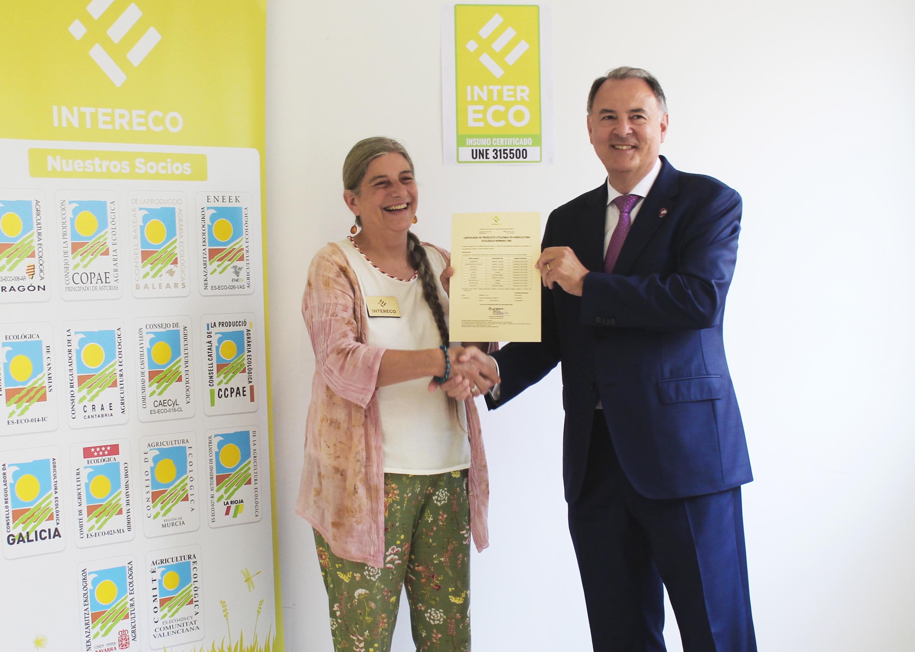INTERECO entrega a Probelte la primera certificación a productos Fitosanitarios UNE 315500 a nivel estatal